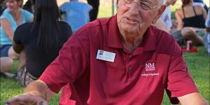 NMSU president Garrey Carruthers appears at a new student move-in day barbeque event. (Photo by Robert Yee) MAR14
